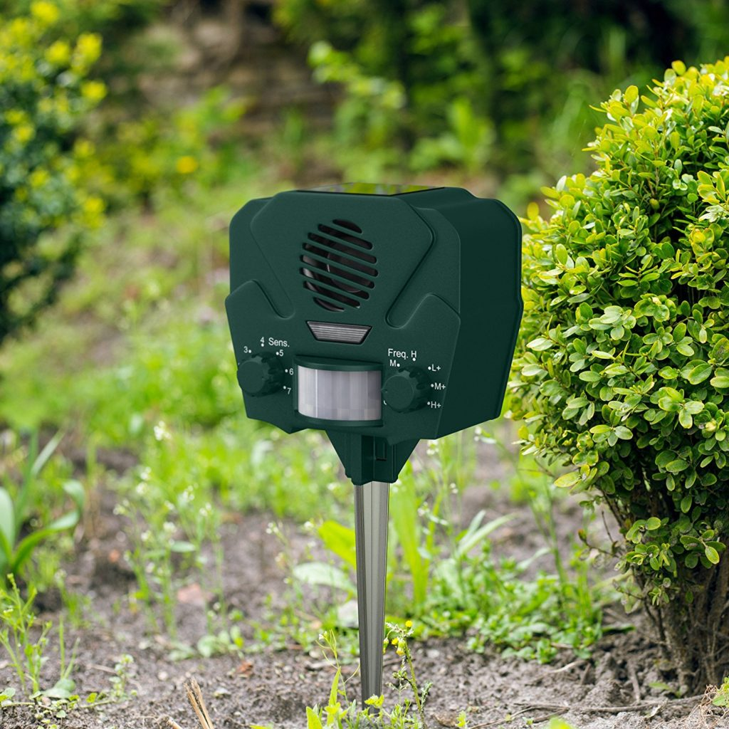 Hoont Advanced Solar Powered Ultrasonic Outdoor Animal And Pest Repeller + Flashing Strobe - Effectively Scares Away All Outdoor Pests And Animals - Motion Activated