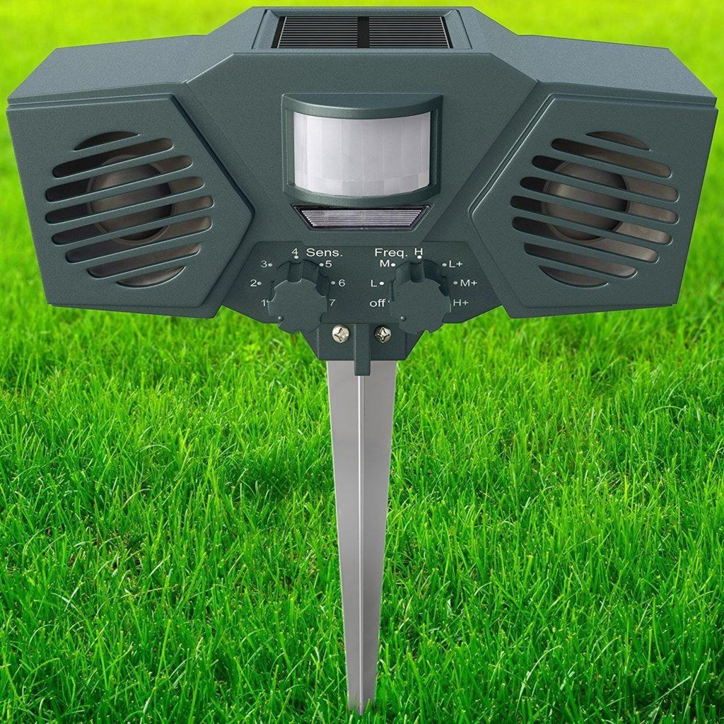 Solar Battery Powered Ultrasonic Outdoor Pest Groundhog