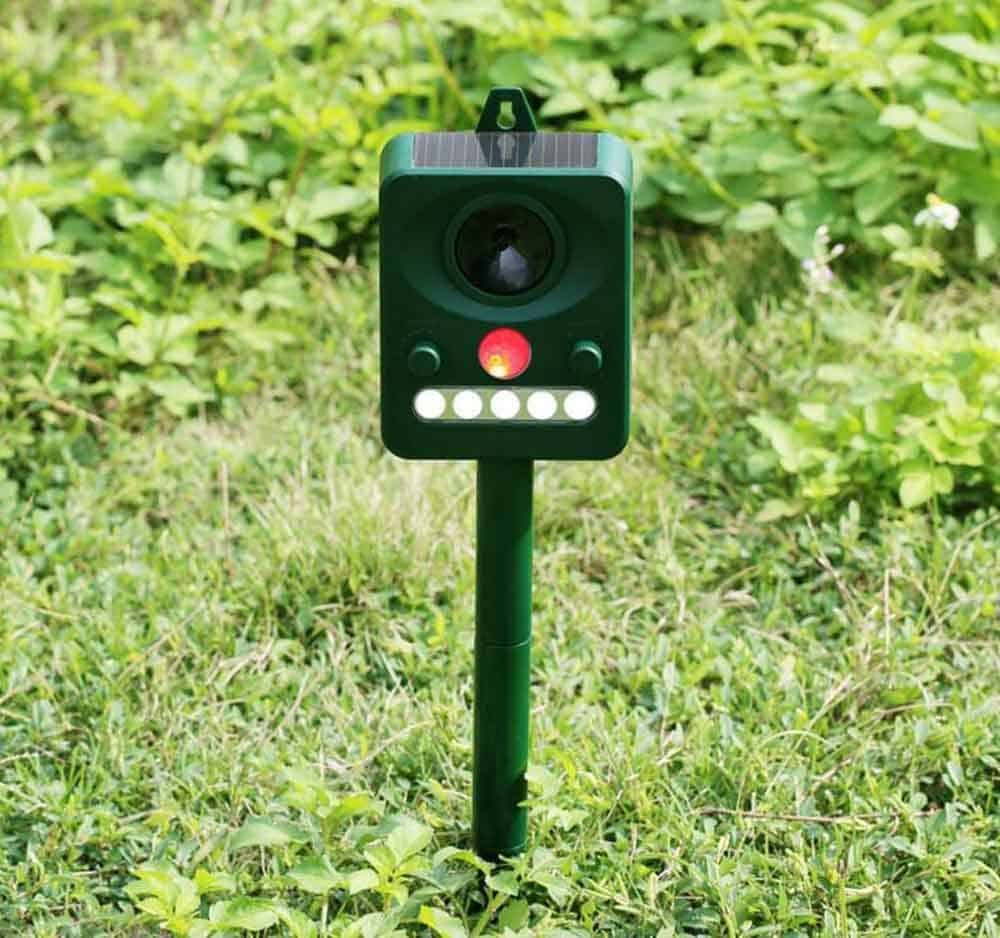 Outdoor Animal Repellent Ultrasonic Solar Pest Repeller