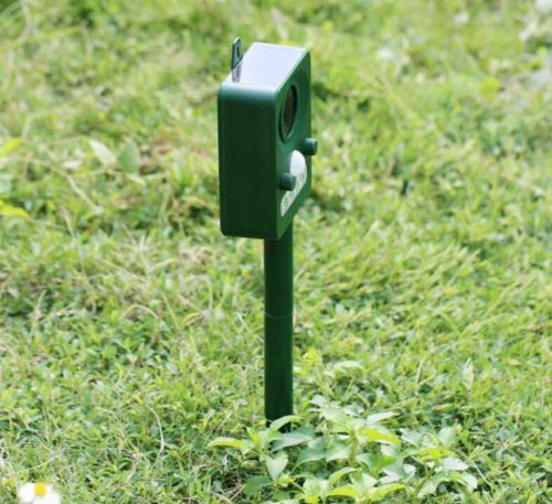 Ruichenxi Ultrasonic Solar Pest Repeller Pest Control Outdoor Animal Repellent For Birds, Dogs, Cats, Mice,Squirrels, Rabbits, Skunks, Bats, Rats, Foxes, Raccoons