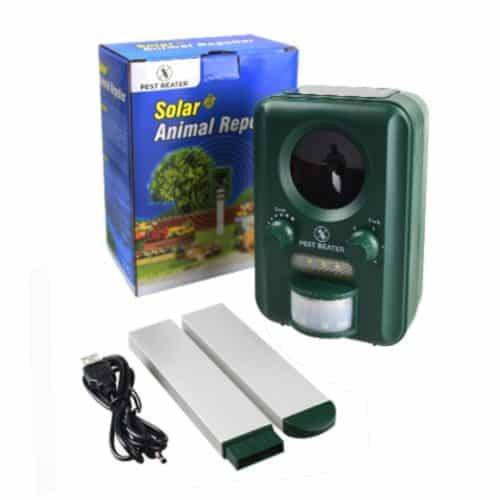 Ultrasonic Solar Pest Repellent. Best Outdoor Electronic Repeller & Control for Birds Geese Pigeons Dogs Raccoon Squirrels Cats Deers. Battery Powered deterrent for Yards Lawns Gardens